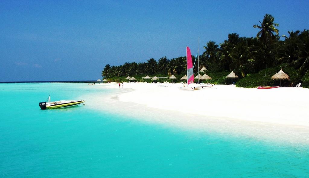 Maldive Paralela 45